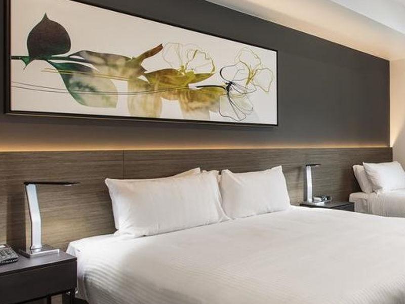 Rest - Accommodation Kawana Waters Hotel